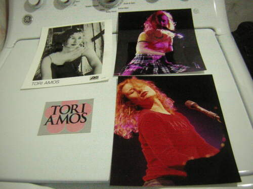 TORI AMOS 1996 PROMO PHOTO W/2 UNPUBLISHED 8X10 GLOSSYS &STICKER 1996 VINTAGE