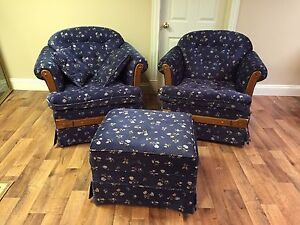 2 chairs and ottoman