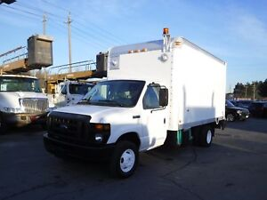 2008 Ford Econoline E-450 14 foot cube van with tailgate and gen