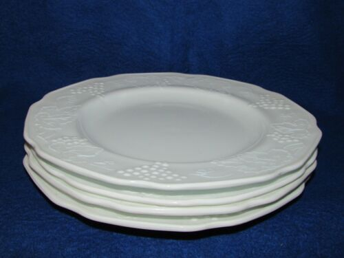 "4 VTG INDIANA HARVEST GRAPE COLONY MILK GLASS 9 3/4"" DINNER PLATES"