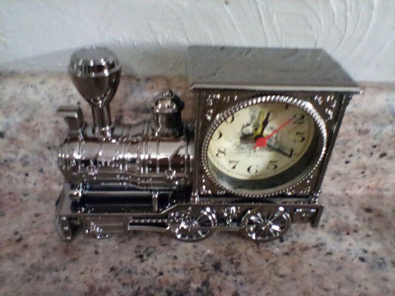 Retro Silver-Toned Chrome finish Tabletop Train Desk Clock