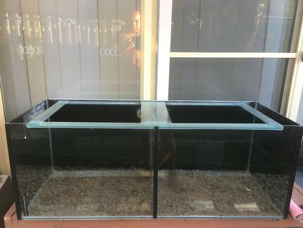 Fish breeding tank 4ft,1.6 ft tall and wide in good condition
