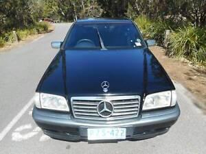 2000 Mercedes-Benz C200 Sedan