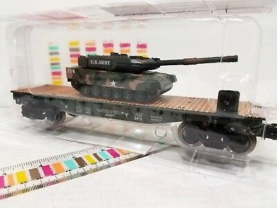 MENARDS O GAUGE US ARMY MILITARY FLATCAR WITH TANK  LIONEL MTH Compatible