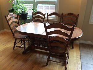 Solid oak kitchen table 6 chairs and hutch