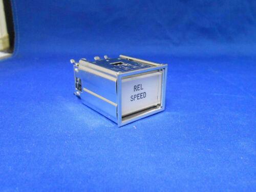 405C716  MASTER SPECIALTIES LIGHT INDICATOR    NEW OLD STOCK