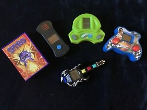 5 handheld Burger King, McDonalds and cereal box toys