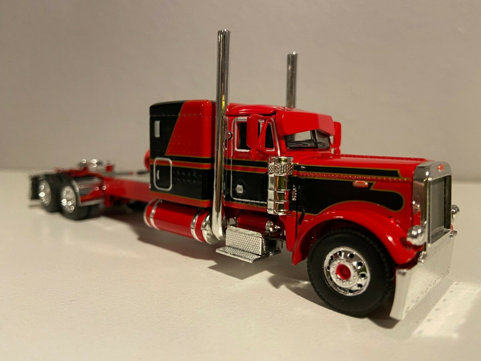 "DCP RED & BLACK PETERBILT 379 60"" BUNK 320"" FRAME (6 12"" long)"