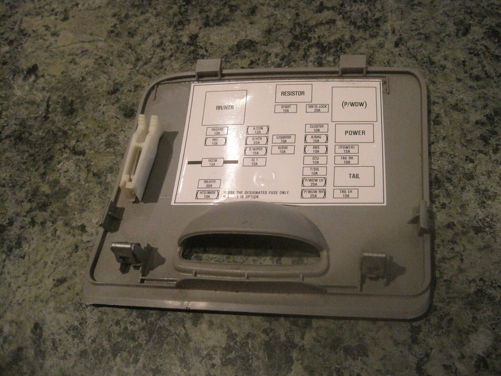 Used Kia Dash Parts For Sale Page 12 04 Rio Fuse Box 2004 2009 Spectra Fusebox Cover Lid Gray Oem