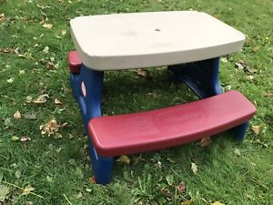 Little Tykes picnic table - excellent condition