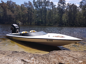Bullet ski boat 2003 hull 220hp mercury outboard Anna Bay Port Stephens Area Preview
