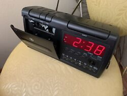 Vintage General Electric GE 7-4936A Cassette Digital Alarm Clock Radio, Works