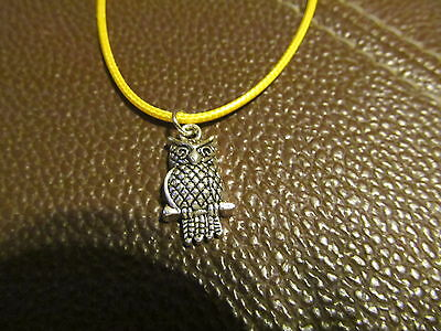 Beautiful Owl Necklace (Yellow)  (NEW)