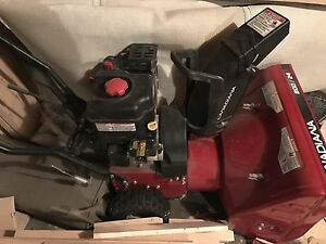 Canadiana snowblower 800/24 2 stage gas electric start