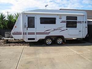 2006 Majestic tandem caravan Bacchus Marsh Moorabool Area Preview