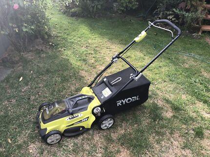 Ryobi 36v mower in very good working condition.