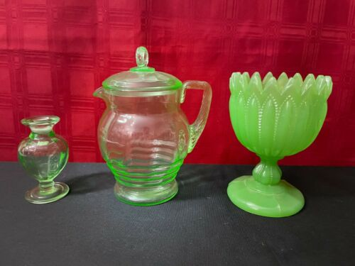 Vintage Green Depression Glass Pitcher w/Lid & Vases?
