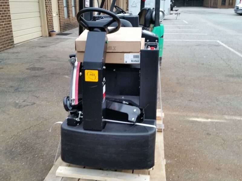 RECONDITIONED NSS CHAMP 3329 ride-on automatic scrubber 33-inch under 500HR