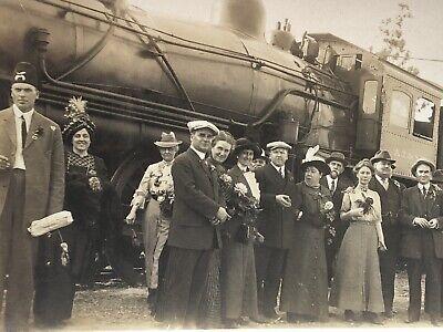Lot of 2 Vintage 1920's Photos ATCHISON TOPEKA & SANTA FE Railroad TRAIN Engine