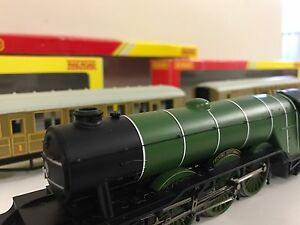 Model Trains + Tracks + Accessories - OO Gauge Glenmore Park Penrith Area Preview