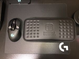 Selling Nintendo Switch Hori Carrying Case.