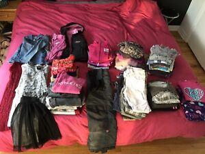Lot de 61 vêtements fille 8 ans