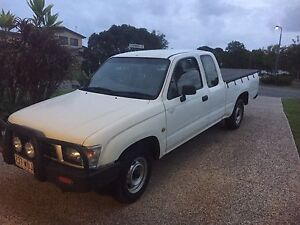 Hilux Extra cab   Machinery/bikes/boats swaps Meridan Plains Caloundra Area Preview