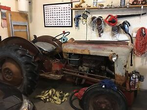 Ford 640 tractor