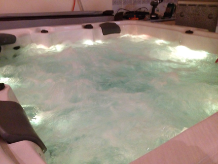 Large spa 4 seater