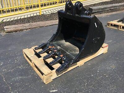New 24 Heavy Duty Excavator Bucket For A Takeuchi Tb228