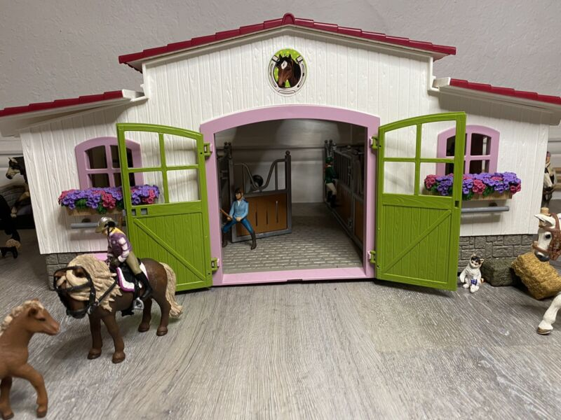 Schleich Barn and Horse Lot with Riders And Accessories