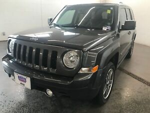 2016 Jeep Patriot HIGH ALTITUDE- LEATHER INTERIOR! SUN ROOF! ALL