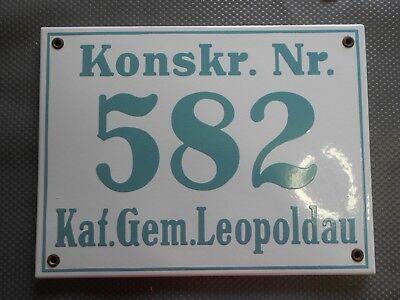 Konsk. Nr. 582 Kat. Gem. Leopoldau alte, große Hausnummer Emaille