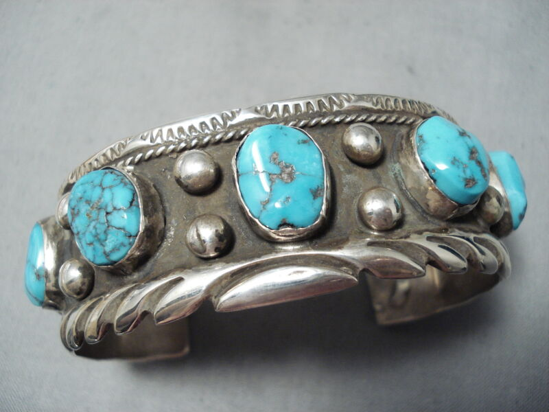 ASTONISHING VINTAGE NAVAJO OLD KINGMAN TURQUOISE STERLING SILVER BRACELET