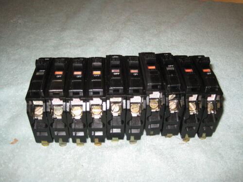 (10)  SQUARE D QO120  20 AMP 1POLE CIRCUIT BREAKER 120/240 VOLT