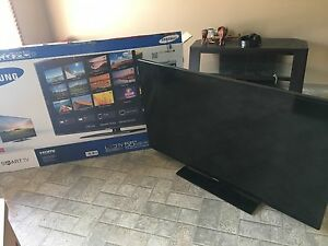 "Smart 55"" Samsung tv *mint*"