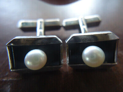 VINTAGE PAIR OF STERLING SILVER MIKIMOTO CUFFLINKS WITH PEARLS AND BLACK ONYX