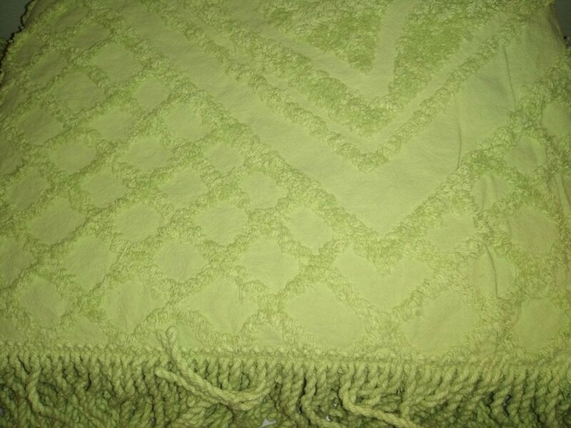 Chenille Full Size Green Bedspead with Fringed Bottom New