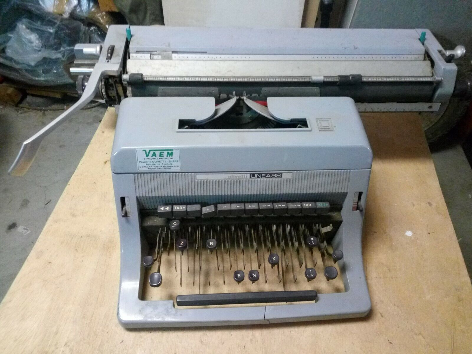 Macchina da scrivere Olivetti Linea 88 per parti di ricambio