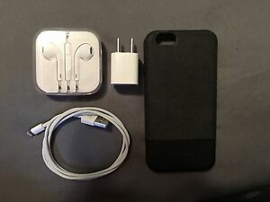 Gold iPhone 6 (64gb) with Bell! St. John's Newfoundland image 4