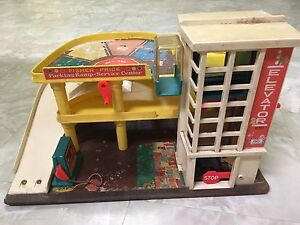 Vintage Fisher Price set#930 Parking garage