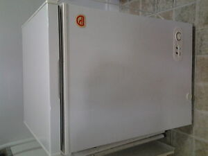 APARTMENT SIZE FREEZER FOR SALE