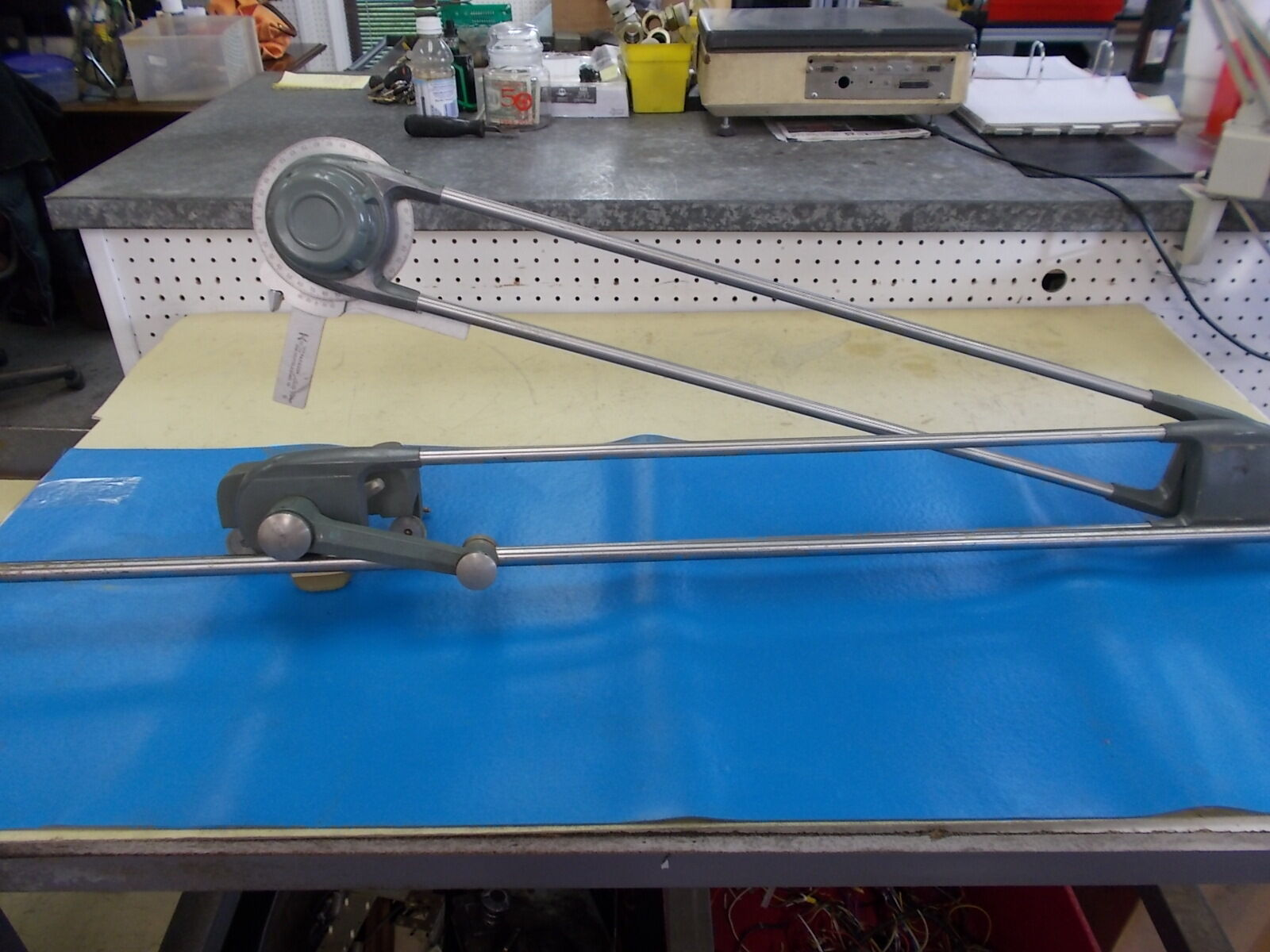 drafting arm machine