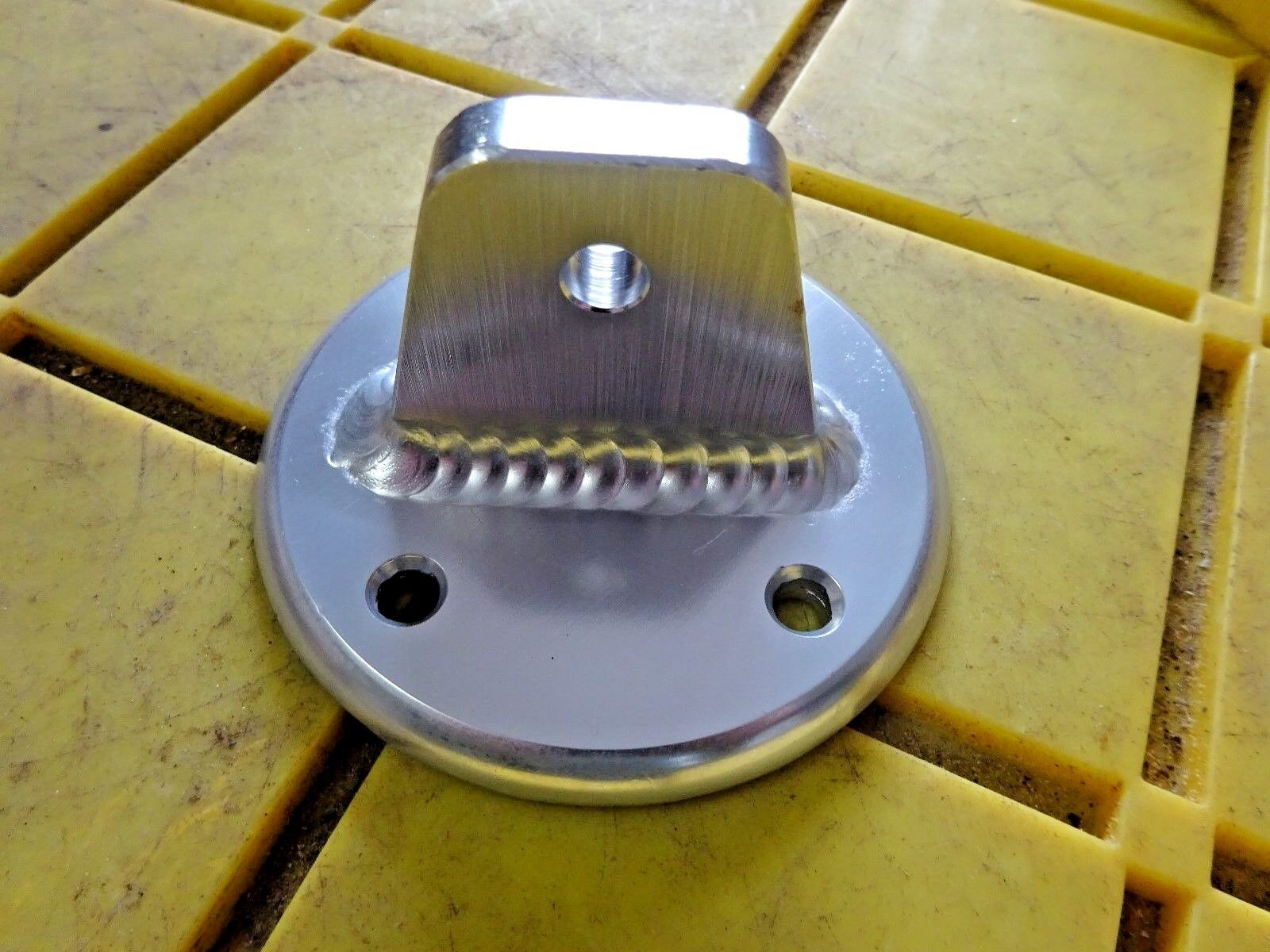 """1/4"""" THICK ALUM BOAT TARPON TOWER  BASE PLATE OVAL 3 1/2 OD X 2 H  5 /16 HOLE"""