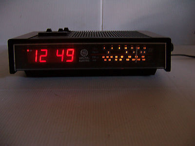 VINTAGE RETRO GE DIGITAL ALARM CLOCK RADIO WITH TV SOUND WORKS!