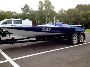 Speed boat - Meos Spider 350 chev Melton Melton Area Preview
