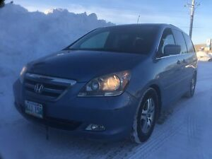 2006 Honda Odyssey touring fully loaded