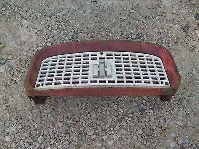 Farmall Ih 560 460 Tractor Front Nose Cone Grill Bonnet Screen Ih Emblem