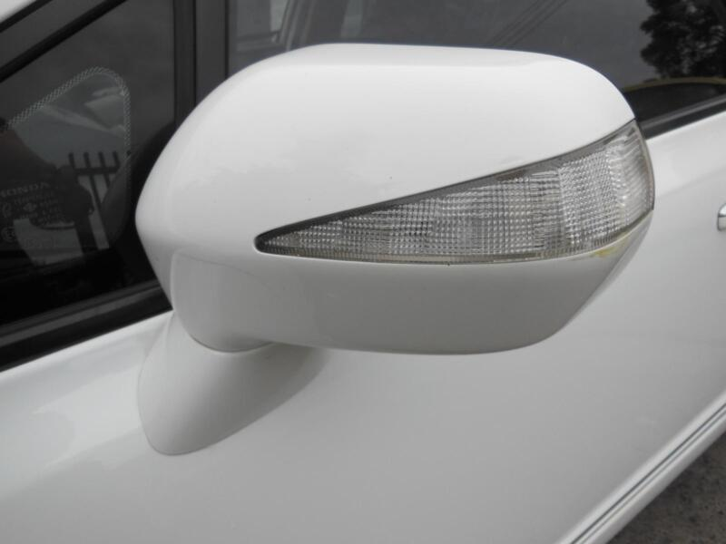 Left side mirror glass to suit HONDA CIVIC 8TH GEN SEDAN HYBRID 02//06-12//11