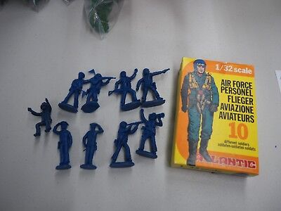 Little Army Men (Atlantic 1/32 scale little green army men 2106 Air Force Personel with)